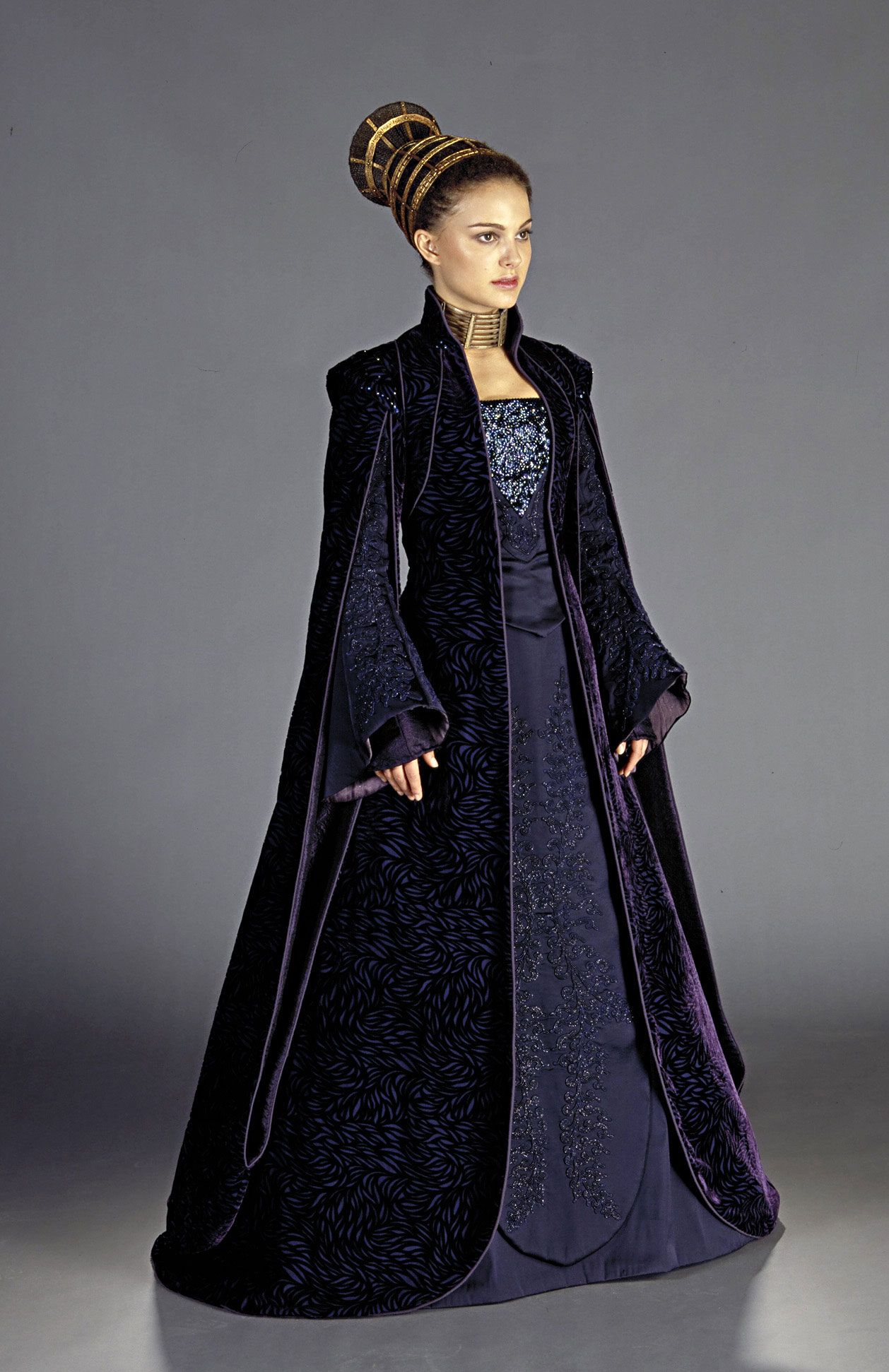Padme Amidala in her \'loyalist\' robe, worn while conversing with ...