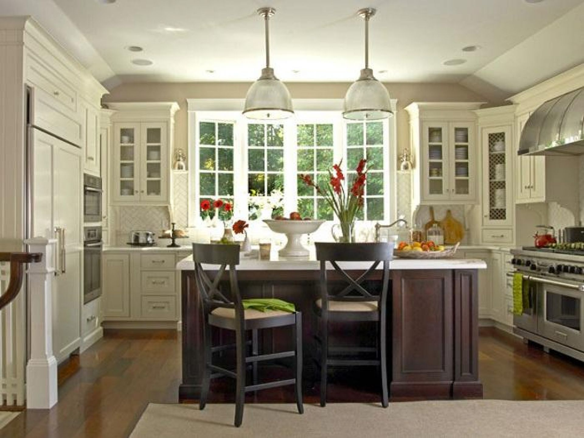 Modern country kitchen u shape design with white cabinet for Country kitchen island designs