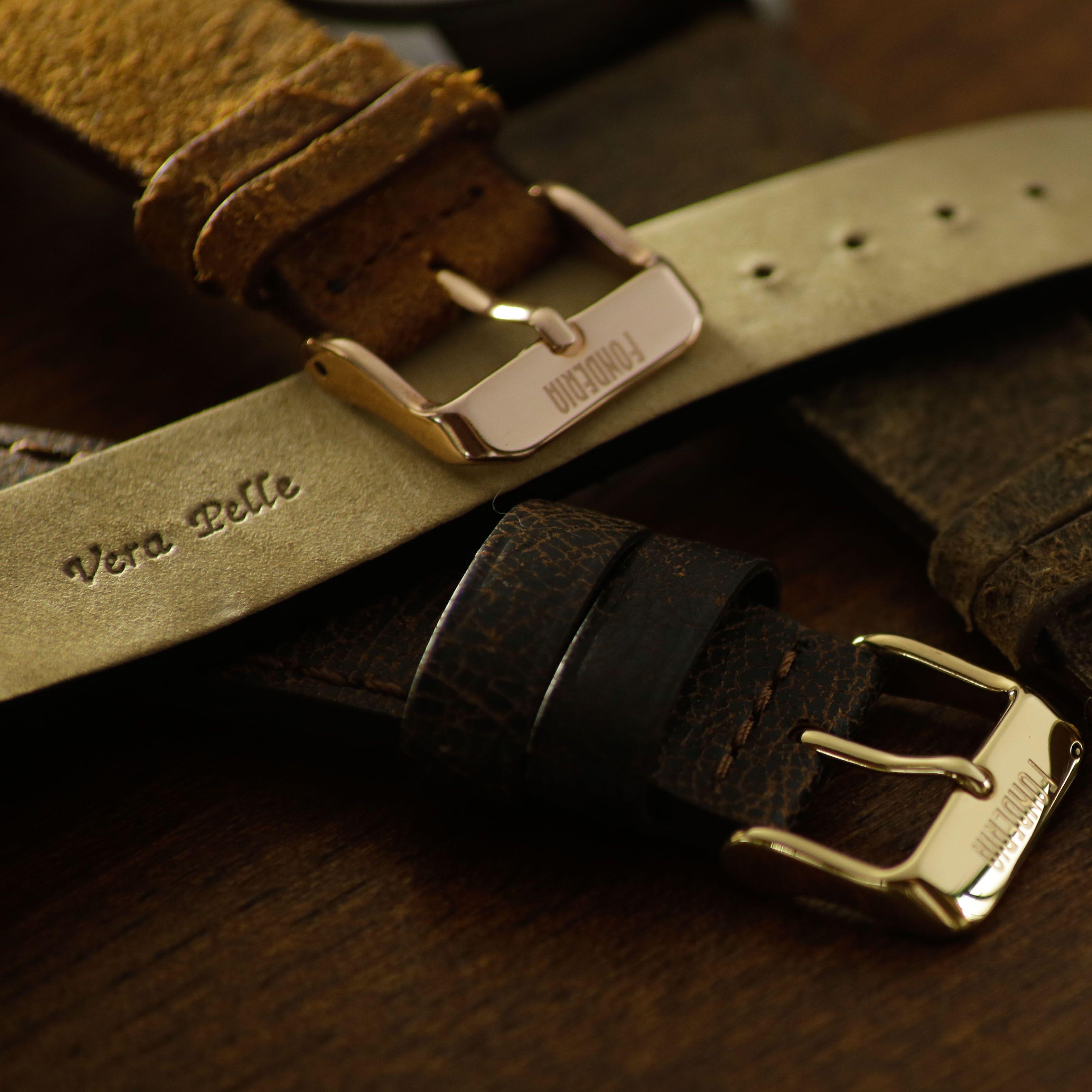 Cinturini in pelle Made in Italy lavorati a mano.
