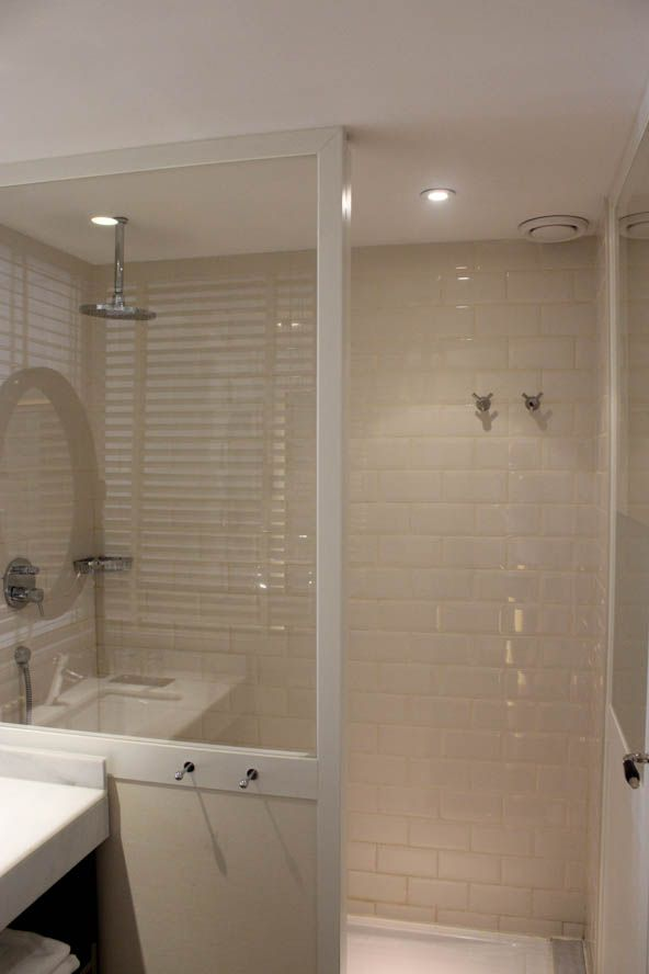 open plan shower at ofelias hotel barcelona - Open Hotel Decorating