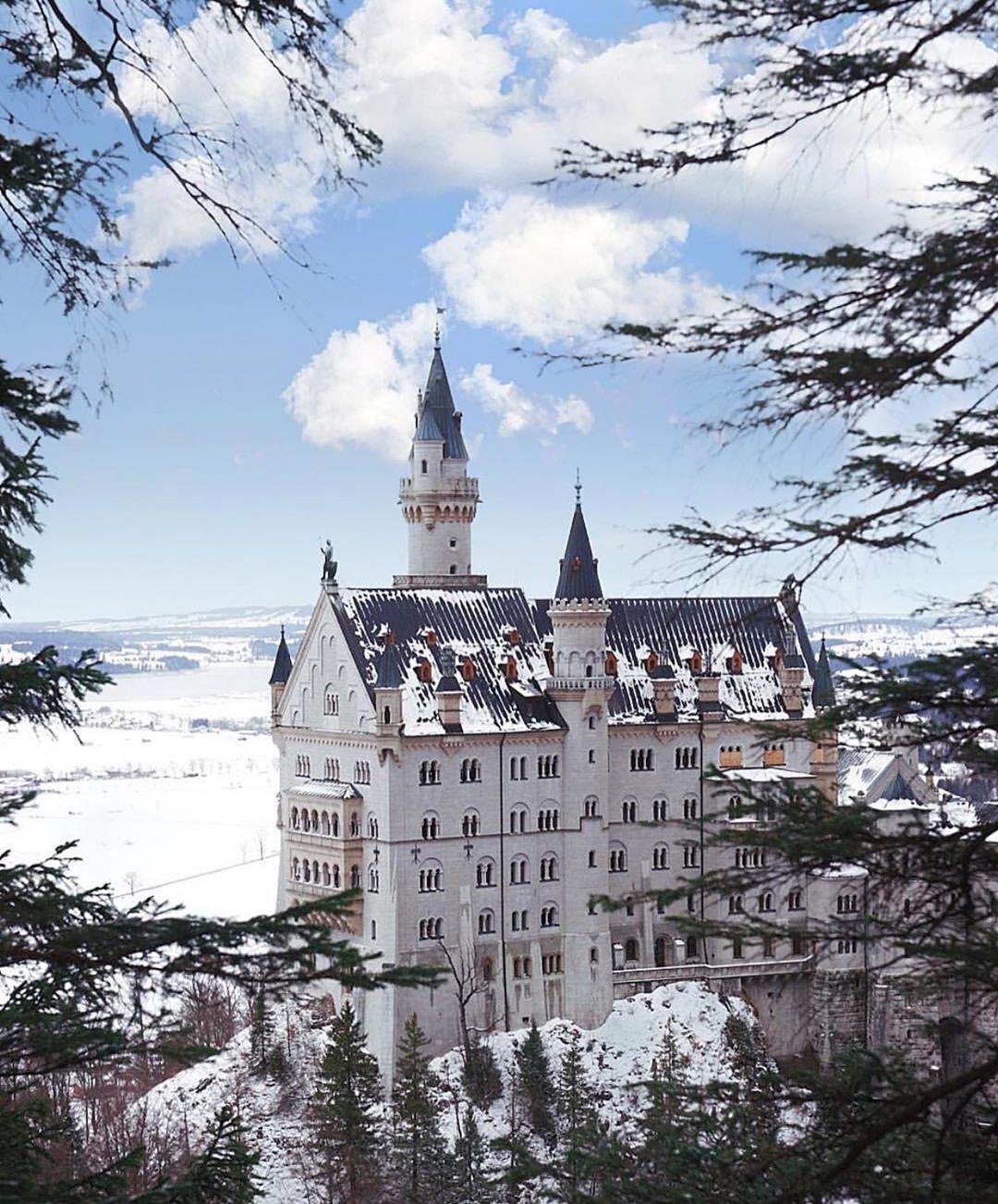 Schloss Neuschwanstein On Instagram Neuschwanstein Schlossneuschwanstein Neuschwansteincastle Bayern Bavar Neuschwanstein Castle Castle Instagram