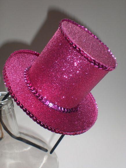 Tiara com cartolinha com Glitter e decorada com paetê no mesmo tom da  cartola aebb57ef1b4