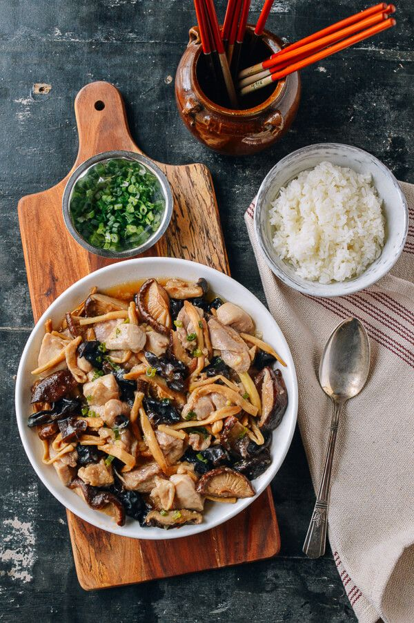 Steamed chicken with mushrooms dried lily flowers recipe steamed chicken with mushrooms dried lily flowers forumfinder Choice Image