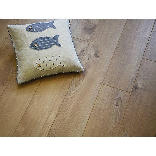 Wickes Venezia Oak Laminate Flooring 148m2 Pack Bedroom