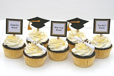 Graduation Cupcakes With Do It Yourself Toppers Graduation Cake