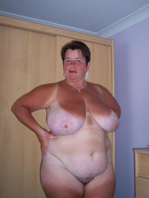 hot nude amateurs outside