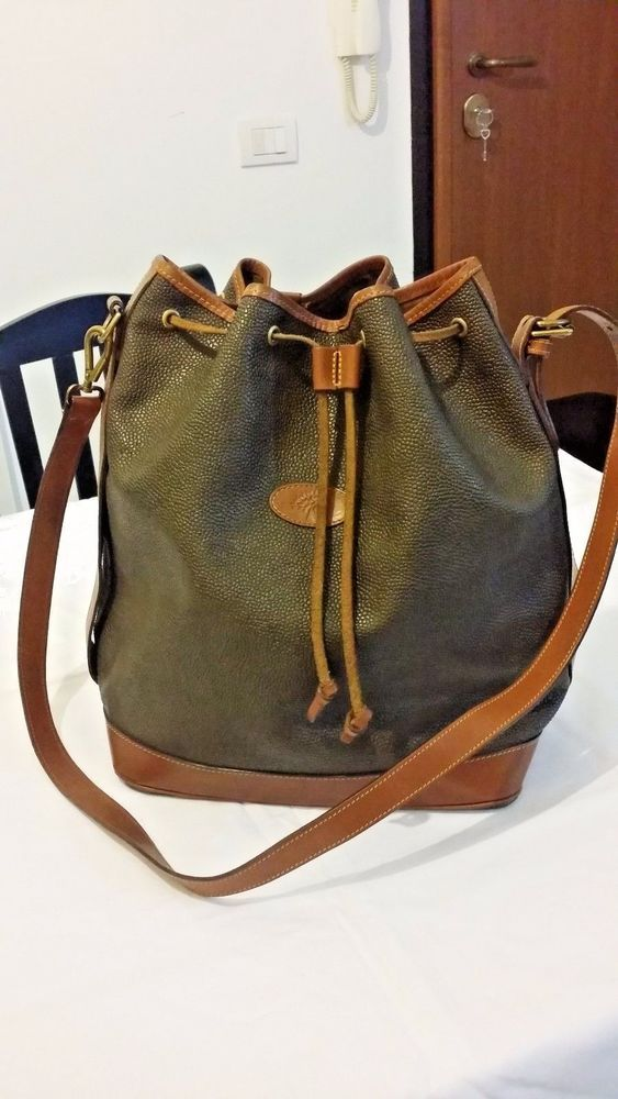 fa0a5ae8d8 Authentic Mulberry Vintage crossgrain   leather crossbody bucket bag ...
