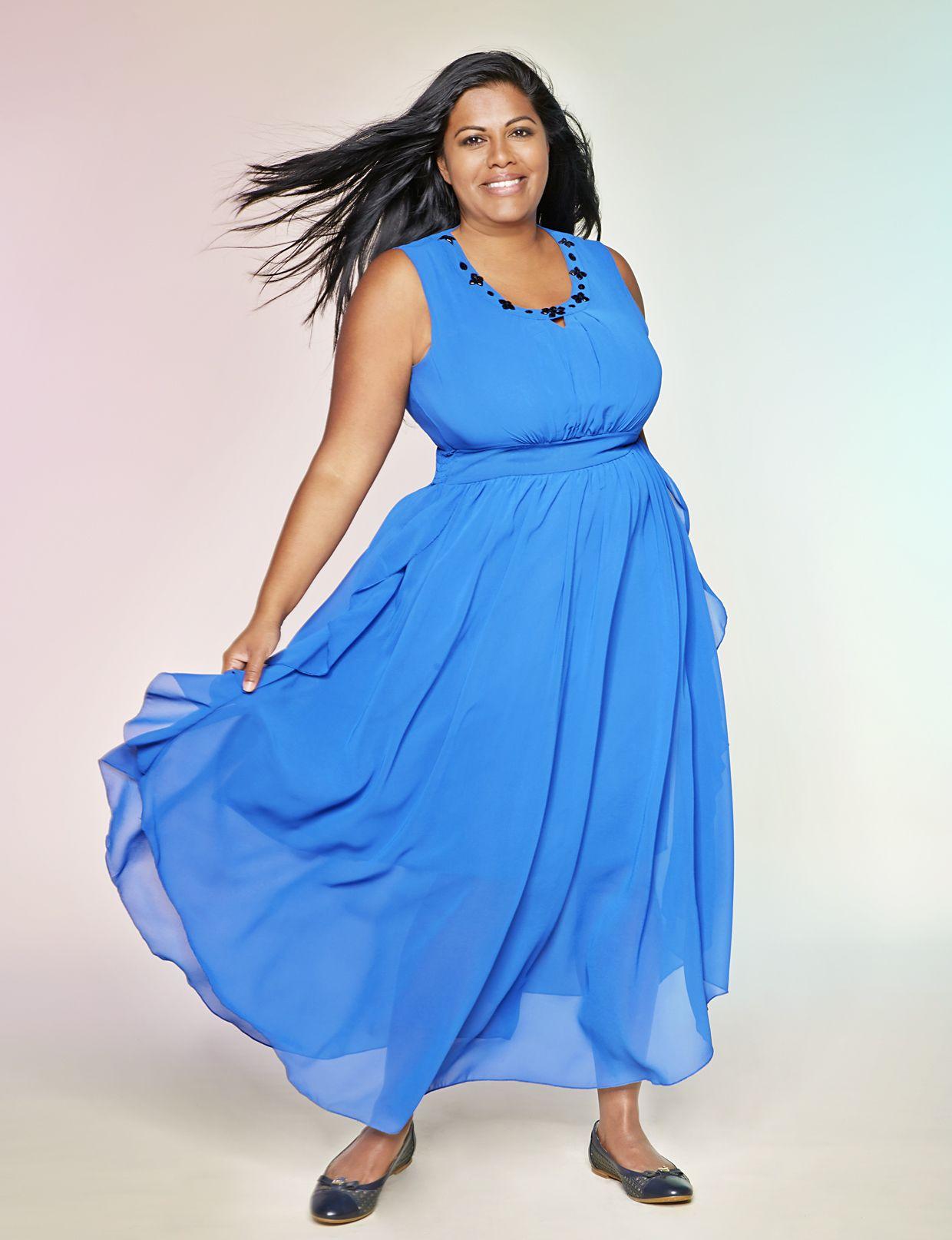 elegante mode in großen größen , blaues kleid in größe 50