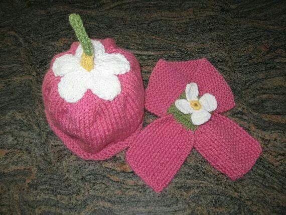 Bebek şapka ve atkı
