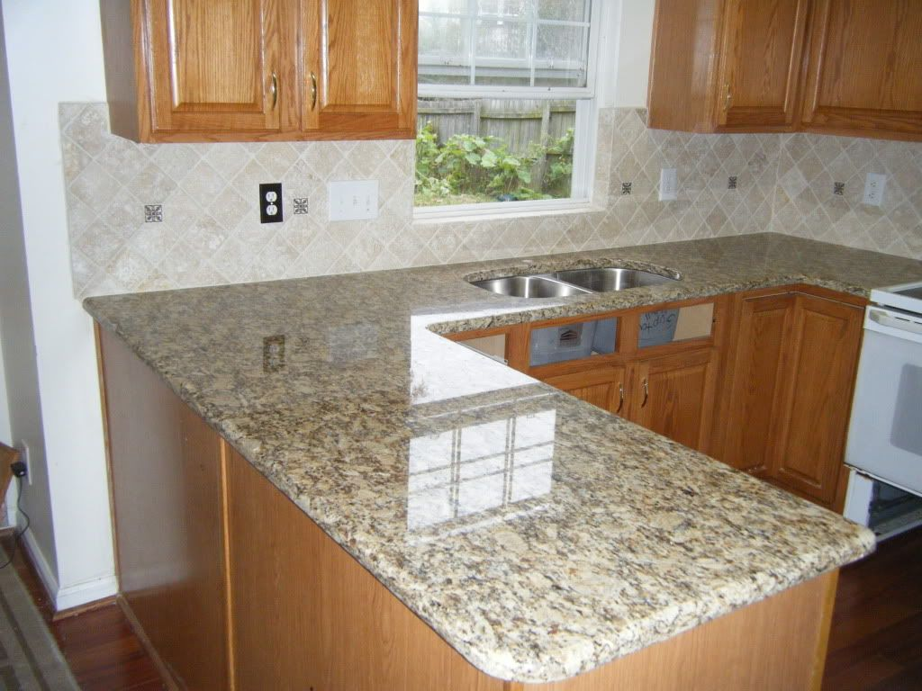 Santa Cecilia Granite I Like The Backsplash Kitchen Ideas Pinterest Caledonia Granite