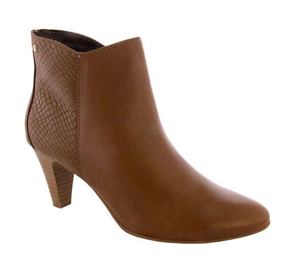 d25b3622f5 A coleção Outono Inverno 2017 da Bottero vem fortemente inspirada na mulher  brasileira. Confira os lindos lançamentos em botas e sapatos da temporada.