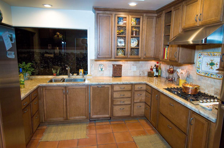 Starmark Oregano With Chocolate Glaze And Golden Ivory Granite Kitchen Cabinets In Bathroom Maple Kitchen Kitchen