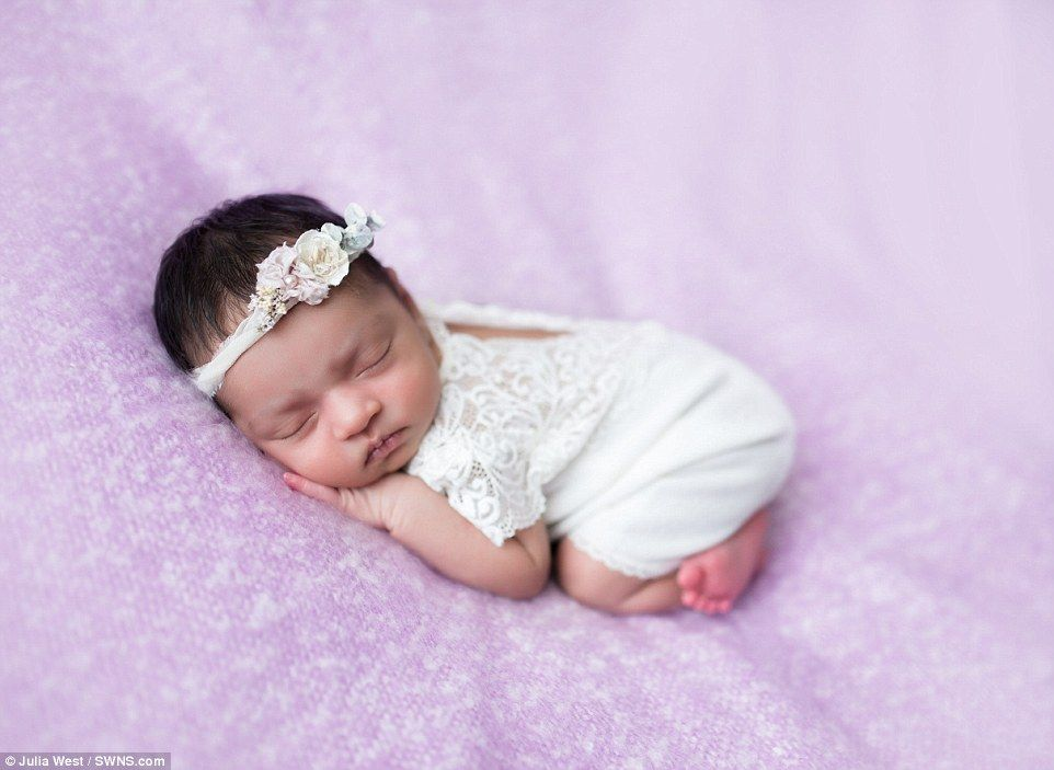 Easter themed photos show newborns dressed as chicks and bunnies