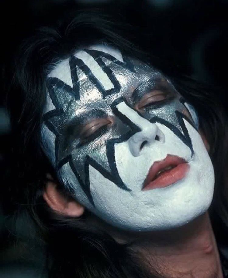 Pin By Katherine On Ace Is God Ace Frehley Kiss Pictures