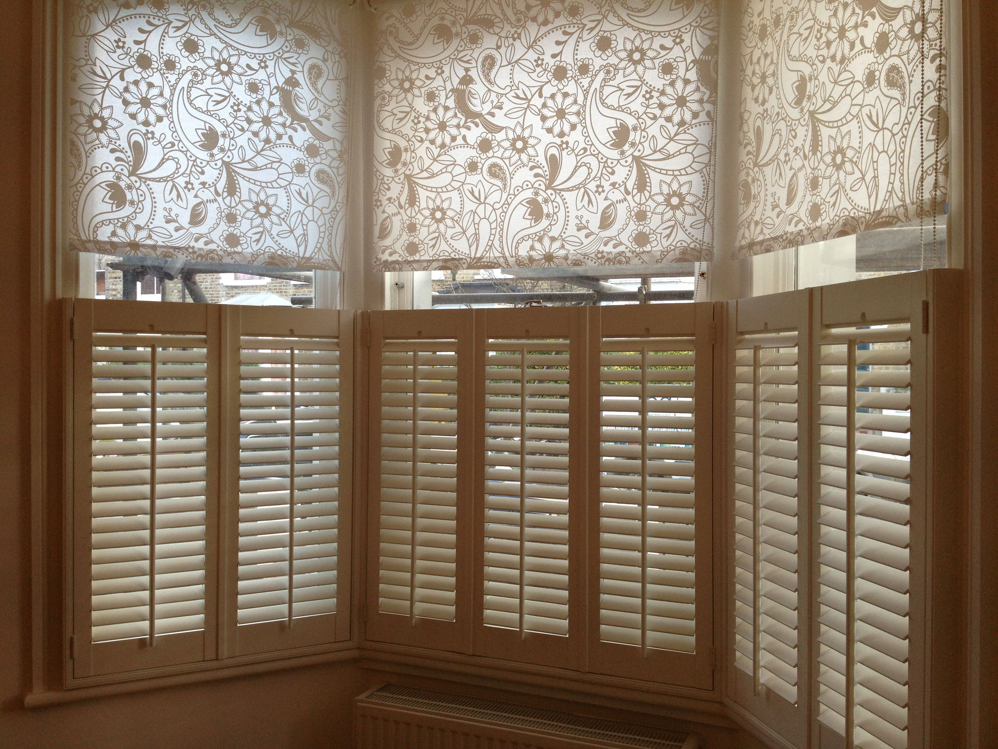 Cafe Style Shutters Only Partially Cover Your Window Usually The Bottom Half If Your Room Is In A Cafe Style Shutters Rustic Farmhouse Living Room Cafe Style