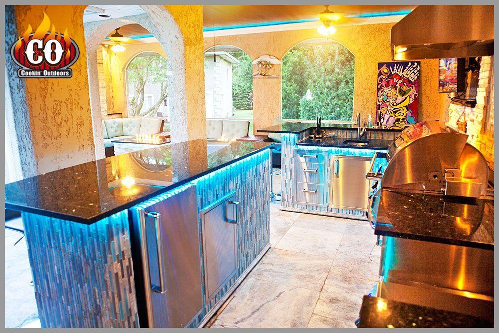 Outdoor Kitchen In Avala Tampa Fl Custom Outdoor Kitchens Firepits And Mor Avala Custom Outdoor Kitchen Outdoor Kitchen Design Designer Marble Tile