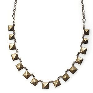LAPILLI by #Mialisia - This piece, made up of bronze studs on a delicate chain, goes perfectly with every outfit. Whether you're rocking your jeans-and-tee look or walking the red carpet, Lapili is sure to provide a gorgeous, understated accent to your style ($36.40). https://goo.gl/CpTjZo