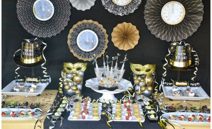 70 Best New Year Home Decoration Ideas 2020 Home Decor Ideas Uk New Years Eve Decorations New Years Eve Party Balloon Decorations Party