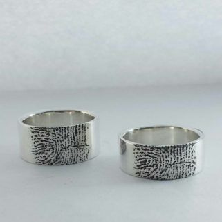 Zilveren ringen met vingerafdruk / silver ring with fingerprint / Atelier Maureen Centen / Eindhoven Edelsmid / HANDMADE  JEWELRY DESIGN /