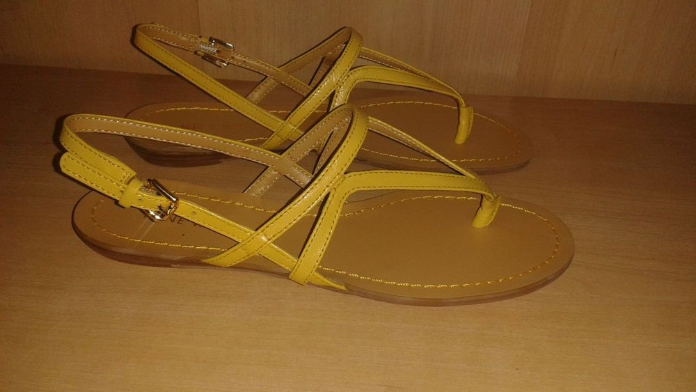 NINE WEST YELLOW STRAPPY SANDALS. 5.5M  #NineWest #Strappy