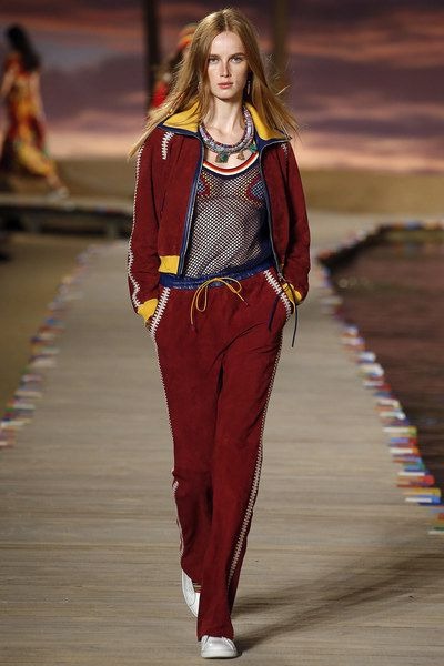 a34021cbe6614 Tommy Hilfiger Spring 2016. Tommy Hilfiger Spring 2016 Ready-to-Wear  Collection - Vogue ...