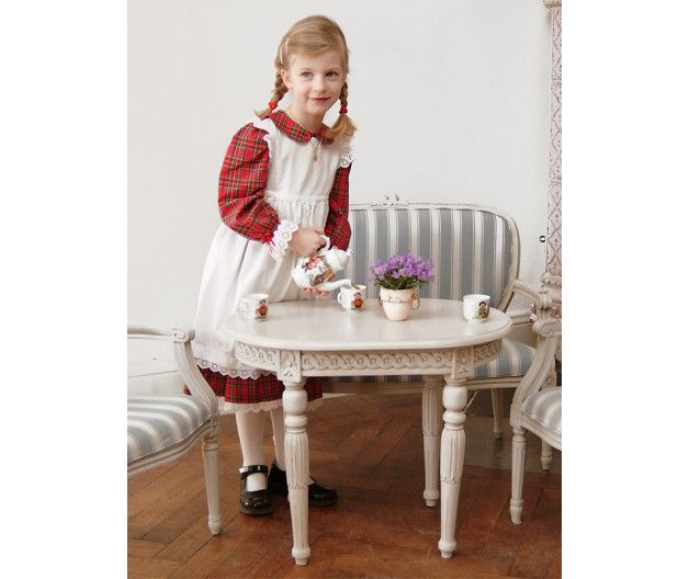 Table in Lamp and Children's style (item no: 5805). Visit our homepage for more information and to view all your finish & fabric options. /SWSC