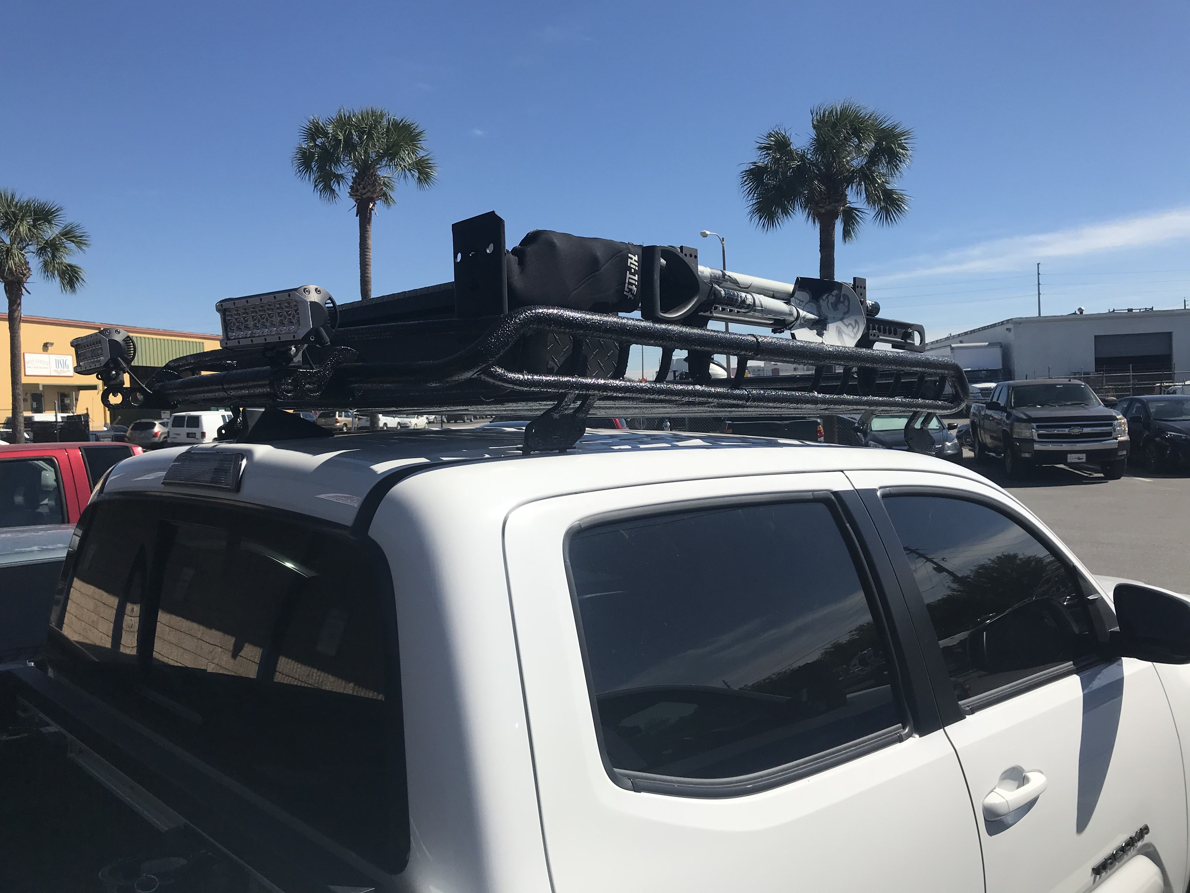 Hi Lift And Shovel Added To The Roof Rack Toyota Tacoma Toyota Tacoma Trd 2017 Toyota Tacoma