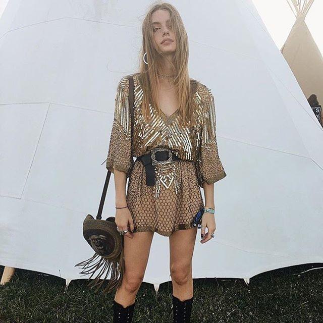 Golden goddess @annalisemclachlan in @spell_byronbay & our Dakota belt✨⚡ #lovestrength #australia #byronbay #boho #belt #festival #model #spell #gold