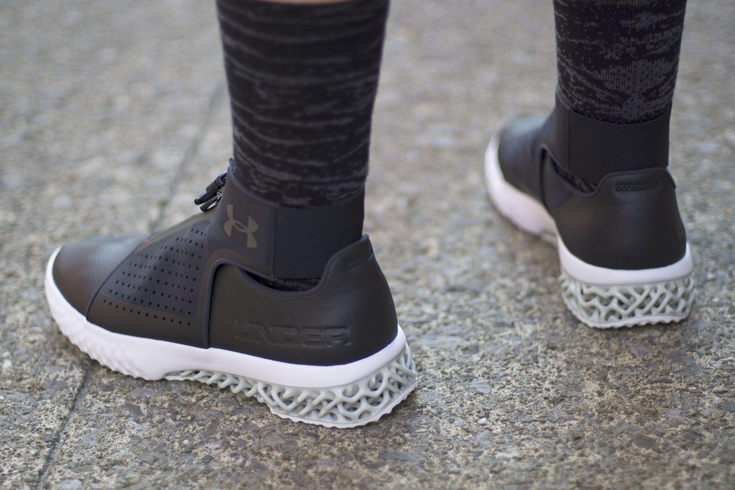 Adidas tubular, Adidas tubular defiant