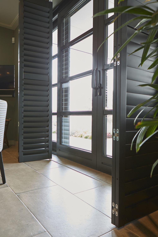 Houten shutters op maat gemaakt – Zonnelux