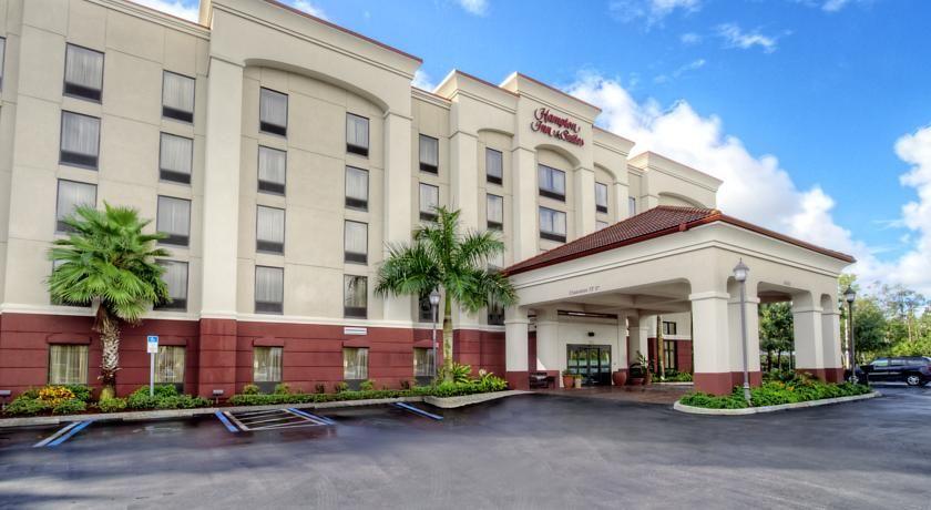 Hampton Inn Suites Fort Myers Estero Estero This Estero Florida Hotel Is Just Off Interstate 75 And A 20 Minute Drive From Hampton Inn Florida Hotels Estero