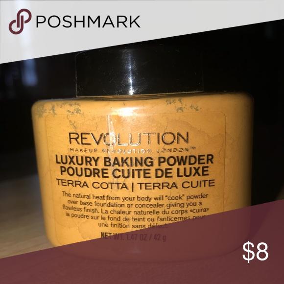 Makeup Revolution Baking Powder (Terra Cotta) Makeup