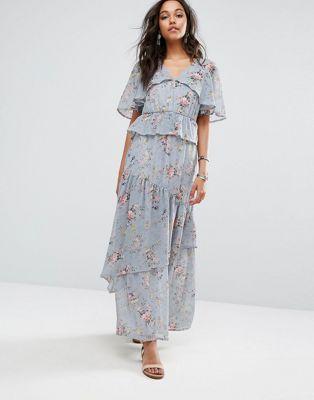aaaec4314493 Boohoo Floral Print Tiered Maxi Dress