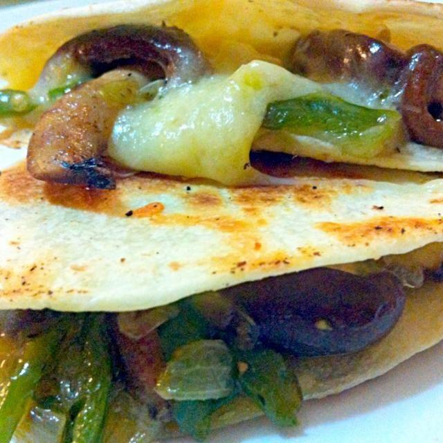 Thank you for the follow✨ - 13件のもぐもぐ - Quesadilla de Hongos (spicy mushroom quesadilla) by Jorge Bernal Márquez