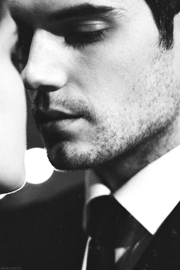 Henry Cavill Photo Henry Cavill Christian Grey Gorgeous Men
