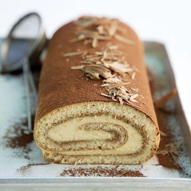 Tiramisu-Roulade | Rezept | Kuchen, Biskuitrollen Und Backen