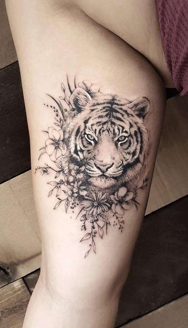 Photo of State-of-the-art realistic fine line tattoos by Zlata Kolomoyskaya
