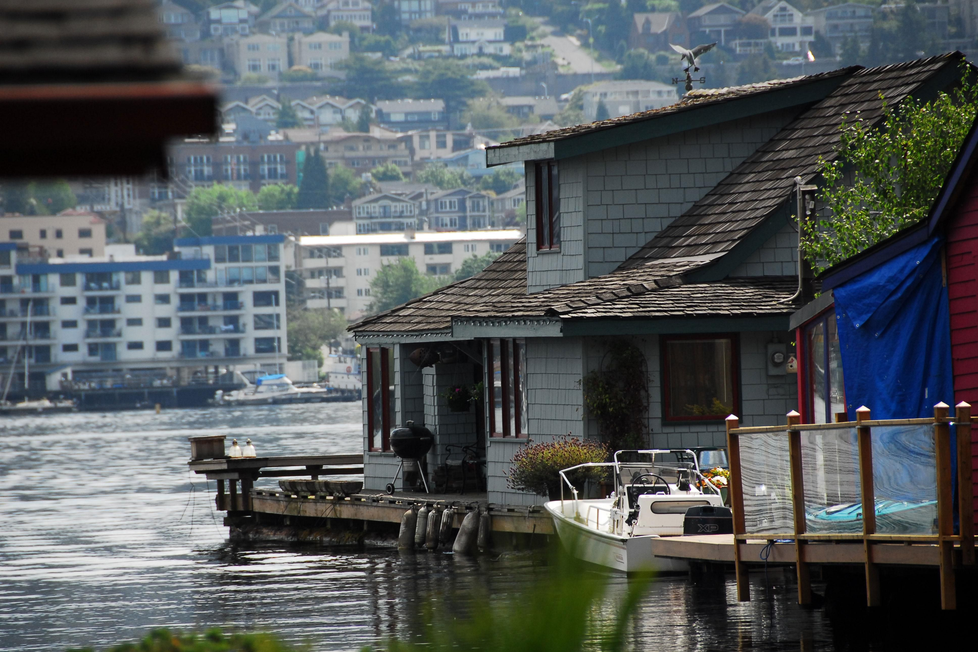 Seattle Map Lake Union%0A Sleepless in Seattle Boathouse       Westlake Avenue North Lake Union  Seattle WA
