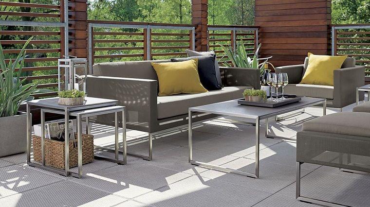 Great piccoli giardini e un arredamento con mobili in for Giardini arredati