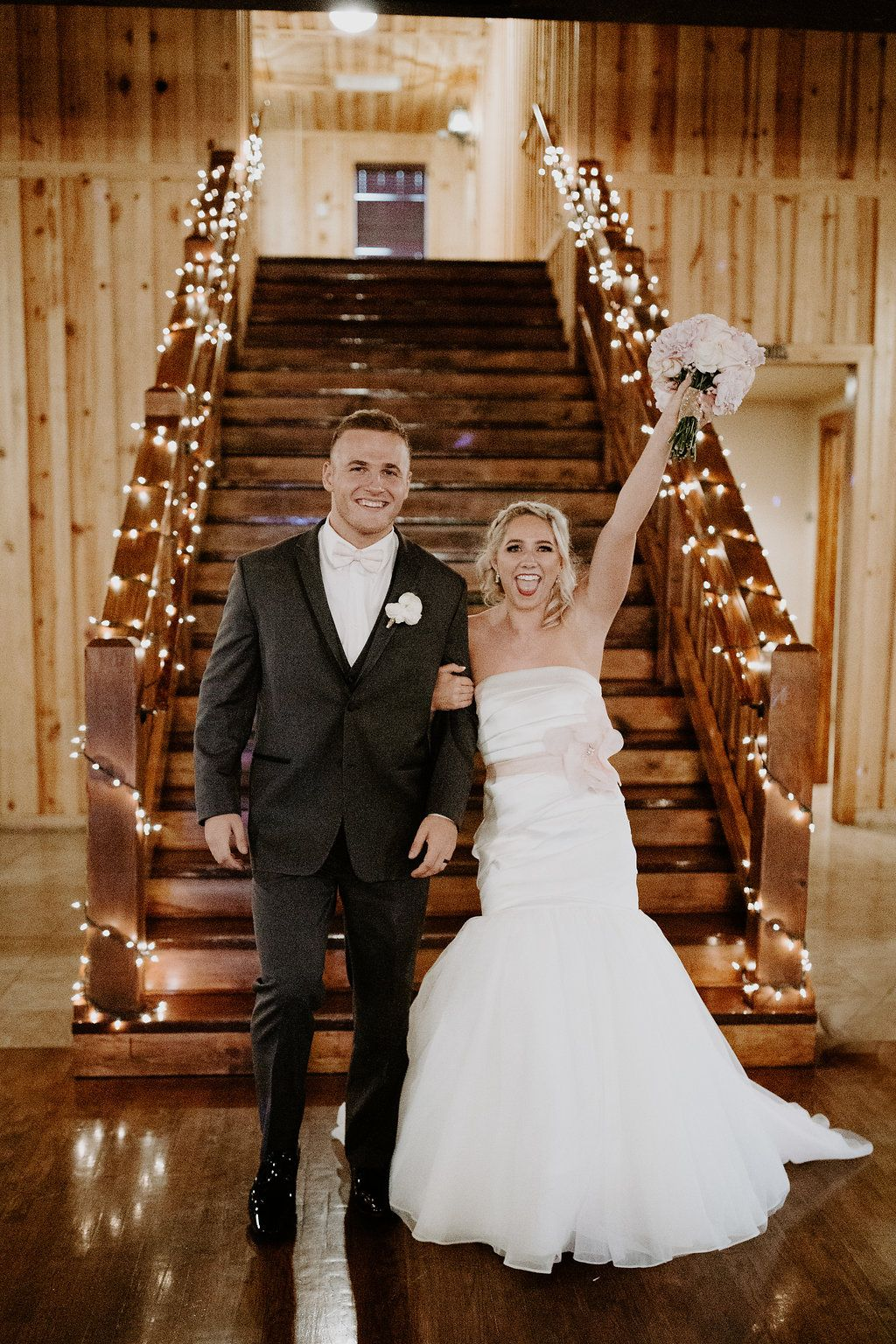Oklahoma City Wedding Venue In Edmond City Wedding Venues Wedding Photos Rustic Modern Wedding