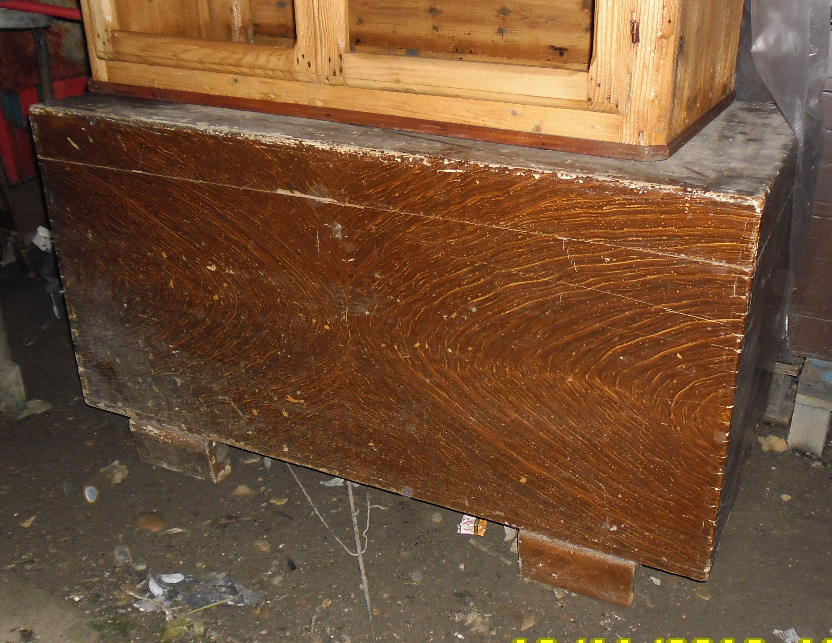 baule in legno ,100 euro possibilità di restauro ,costo a parte ...