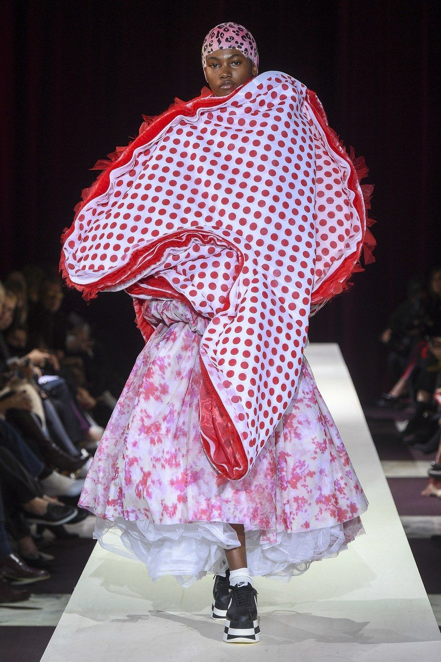 Comme Des Garcons Fall 2018 Ready To Wear Fashion Show Fashion Autumn Fashion 2018 Fashion Designers History