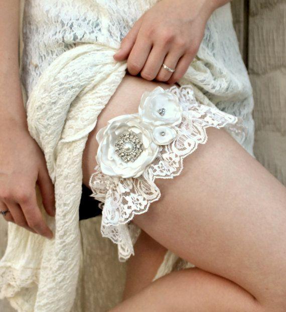 Weding Garter Vintage Ivory Lace W Rhinestone