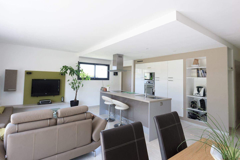 Construction maison contemporaine plain pied Comtat Venaissin ( Vaucluse-84). Construct ...