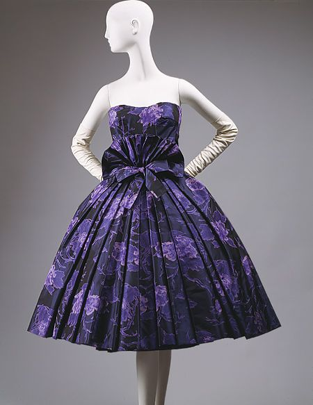 Eventail cocktail dress, fall/winter 1956–57 Christian Dior (French, 1905–1957) Navy and royal blue warp-printed taffeta with navy horsehair band trim