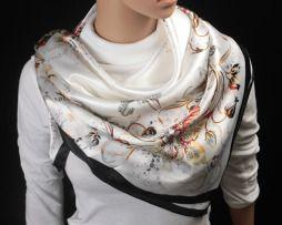72a118a8be Nádherná dámska šatka s motívom kvetín v čierno-bielej farbe ...