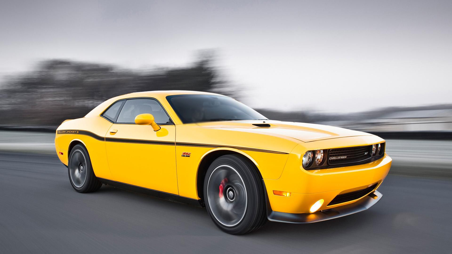 dodge challenger srt 8 in yellow color