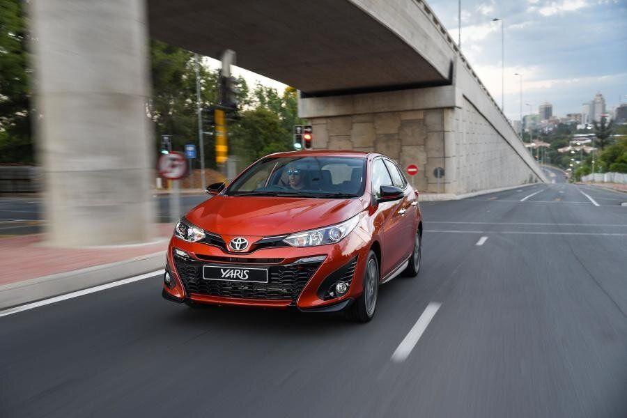 Dvigatel Novoj Tojota Yaris Toyota Yaris Kotoryj Ne Lomaetsya In 2020 Yaris Toyota Vehicles