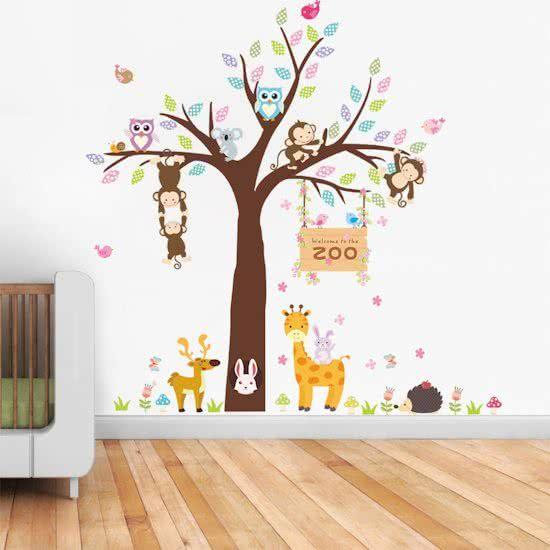 Boom Decoratie Kinderkamer.Muursticker Diertjes In Boom Kleurrijk Dierentuin