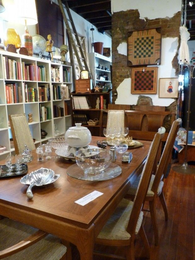 Wonders on Woodland is a fun antique shop loaded with vintage jewelry, furniture, home goods, and more. #NashvilleNeighborhoods #Nashville #MusicCity